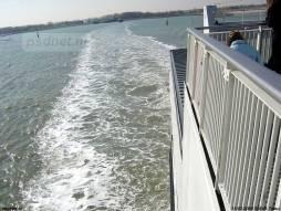 Een kijkje op het kielzog van de veerboot Vlissingen-Breskens, de Koningin Beatrix.