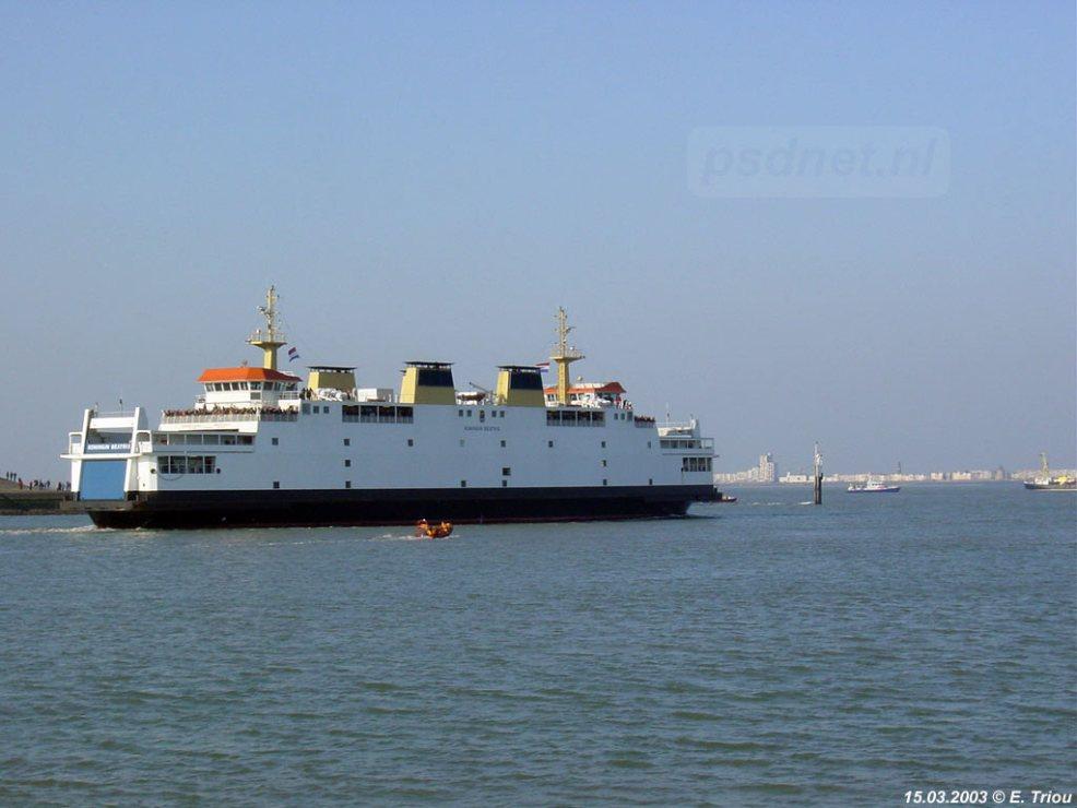 De Koningin Beatrix (1993) vertrekt op 15 maart 2003 voor de laatste PSD-afvaart naar Vlissingen.