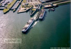 De laatste enkeldekkers van de PSD mochten in de jaren 90 nog geregeld invallen op de Zeeuwse veerdiensten.