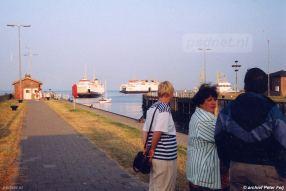 In 1995 vaart de enkeldeksveerboot Prinses Margriet voor het laatst. Een aantal weken vaart deze toen oudste PSD-boot samen met de nieuwste PSD-veerboot Koningin Beatrix.