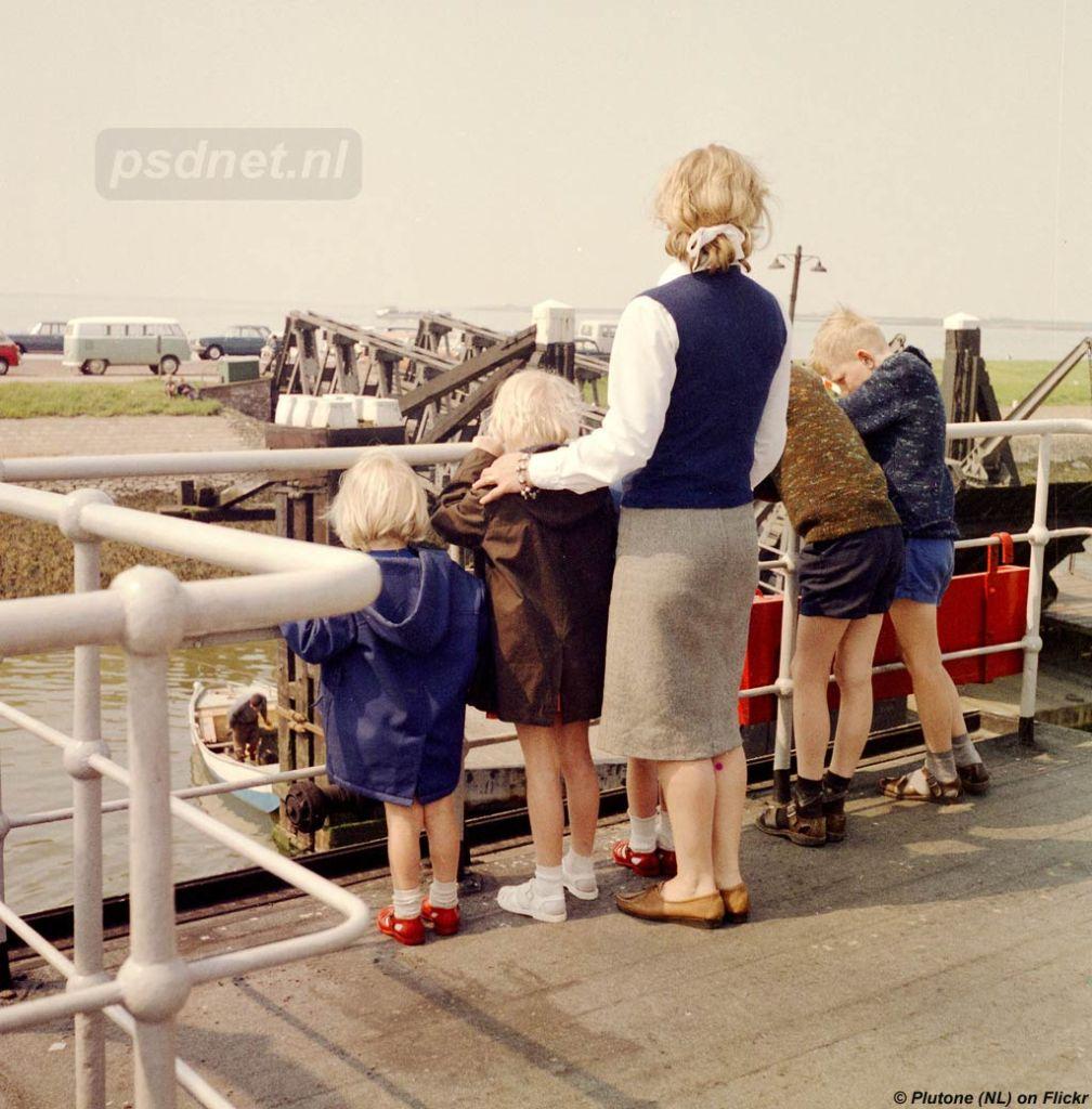 Gezin op de veerboot