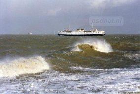 De Margriet zet koers naar Vlissingen een op stormachtige middag. Foto: Peter Nicolai