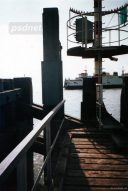 Het havenhoofd van de Vlissingse Buitenhaven met op de achtergrond de Zeeuwse Westerschelde ferry Prins Johan Friso.