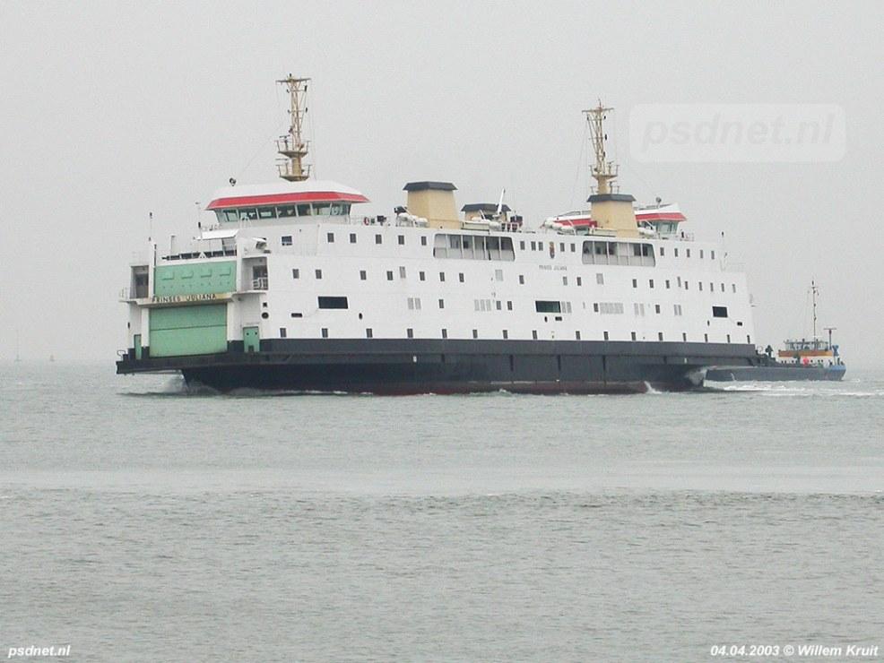 Nadat de veerdienst Kruiningen-Perkpolder is opgeheven op 15 maart 2003 vertrekt de Prinses Juliana naar Vlissingen om een tijdje te gaan varen op Vlissingen-Breskens. Foto: © Willem Kruit