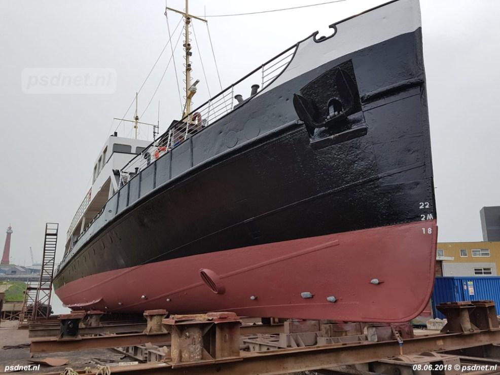 Op deze foto van het onderwaterschip zien we goed waar vroeger het koproer zat, deze is niet meer in gebruik. In PSD-tijden werd het koproer gebruikt bij het achteruit de havens verlaten.