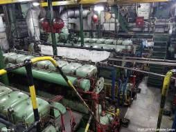 De machinekamer met de dieselmotoren van M.A.N.