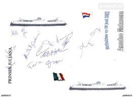 Voor vertrek uit Vlissingen worden de handtekeningen verzameld van alle bemanningsleden van de Amedeo Matacena.