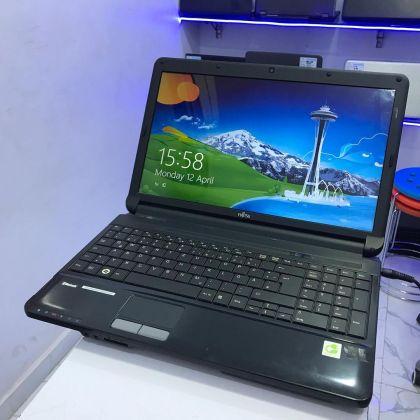 Fujitsu Lifebook AH530 – Intel Core 2 – 4GB Ram – 250GB HDD