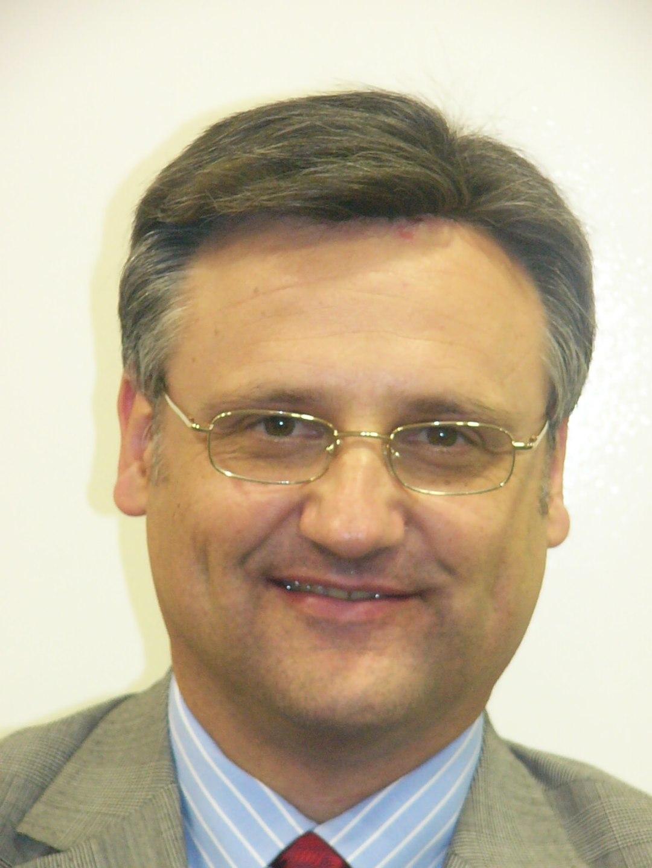 Professor Paul Moroz BSc(Hons) MBBS PhD(Dist) FRACS