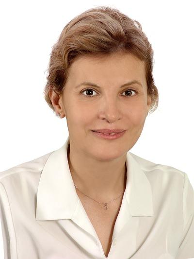 Dr Emel Canbay