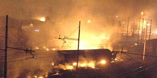 Carri ferroviari a Viareggio dopo lesplosione del 30/06/2009