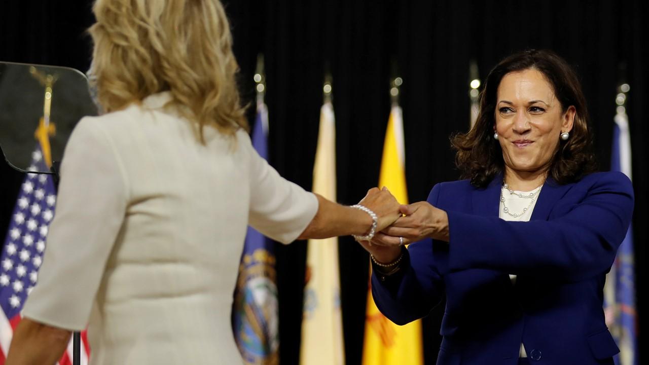 Lo stile di Jill Biden e Kamala Harris. Cambia il power dressing alla Casa Bianca