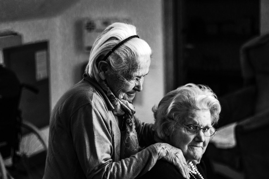 adultos mayores cuidado