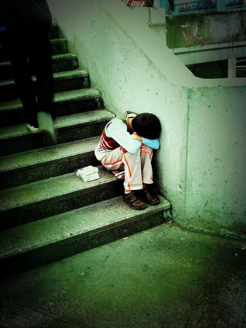 Alti livelli di stress durante l'adolescenza provocano ansia e aggressività in età adulta