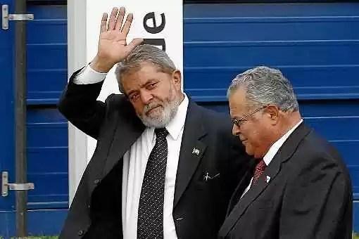 O que está por trás das denúncias e do apoio a Lula?