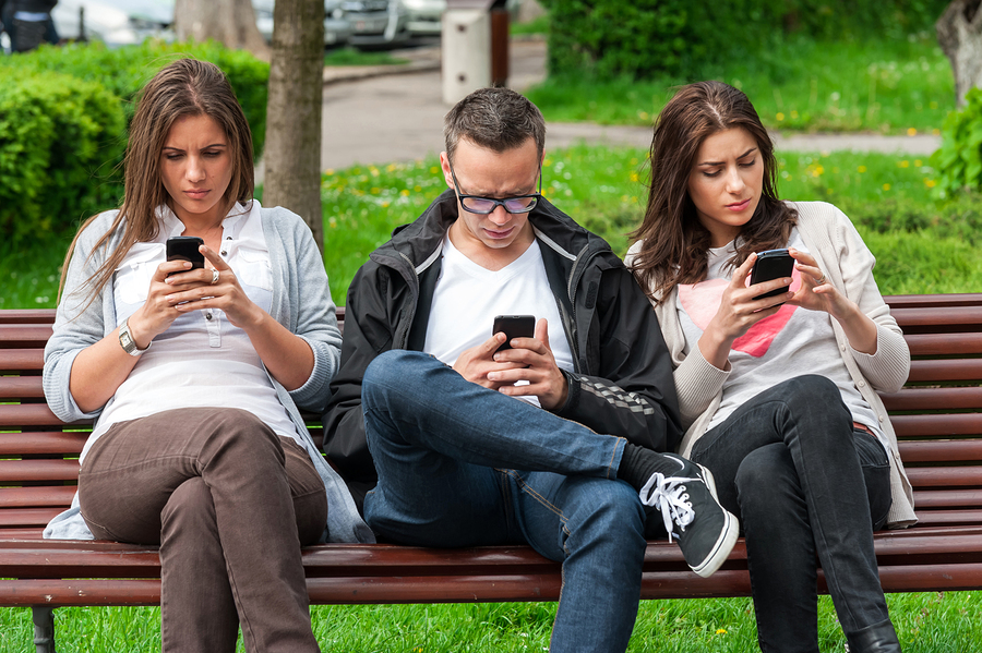 https://i0.wp.com/www.psychalive.org/wp-content/uploads/2015/01/cell-phone-addiction.jpg