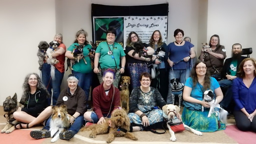 Many service dog teams pose for a group picture at the 2017 PSDP Convention.