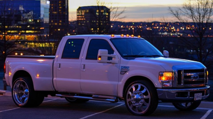 Ford F 350 Short Bed Dually With 26inch Rims