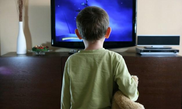 Γιατί τα παιδιά λατρεύουν την Τηλεόραση? Τι κανόνες να βάλω για να «ξεκολλήσει» ?