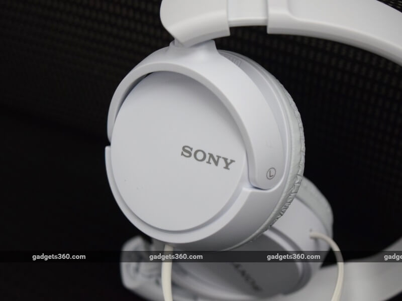 sony_mdr_zx110_earcup_ndtv.jpg