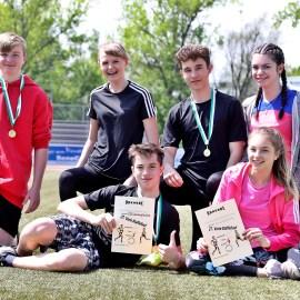 2019_05_08: GOLD beim Vario-Staffellauf