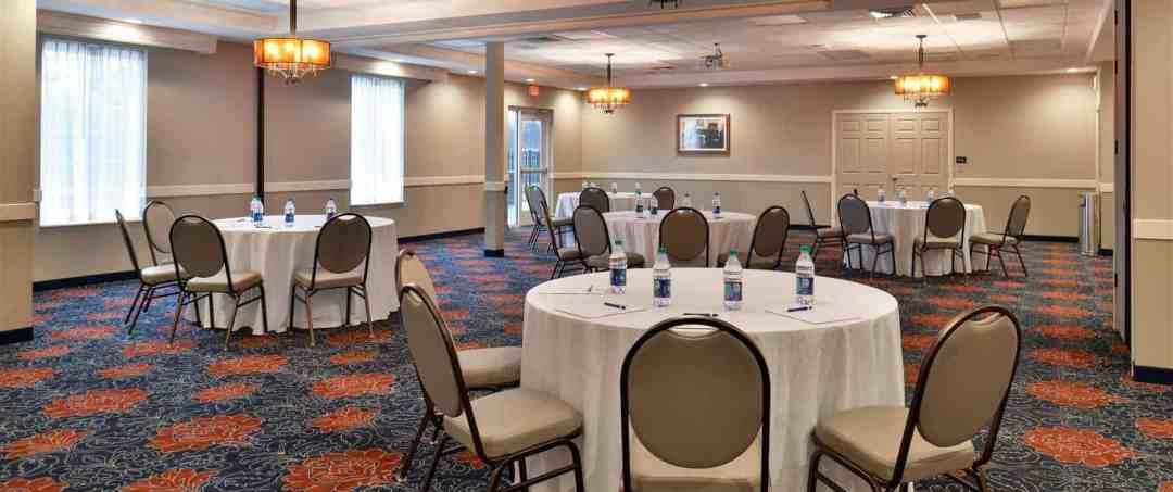 Appomattox Inn & Suites | Appomattox, VA 7