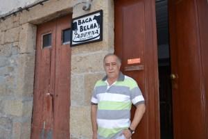 """Alberto Nobrega, proprietário da taberna com mais de 100 anos de existência, """"Baca Belha"""" Foto: Salomé Ferreira"""