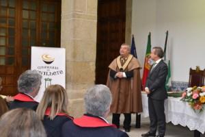 António Fontainhas Fernandes, reitor da UTAD, a ser entronizado Confrade de Honra/Foto: Salomé Ferreira