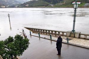 As cheias inundaram a marginal reguense | Foto: Direitos Reservados