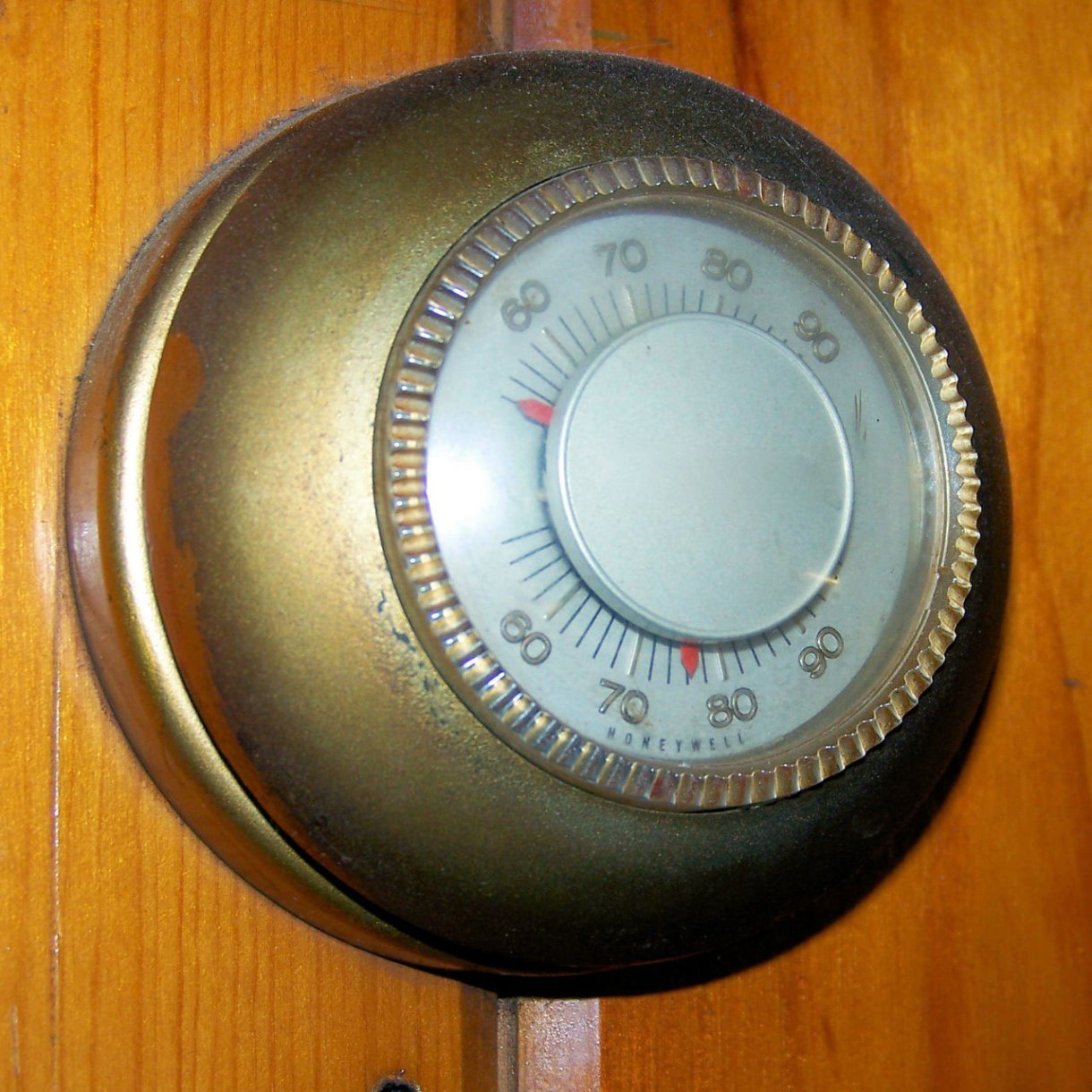 Old Thermostat Free Stock Photo - Public Domain Pictures