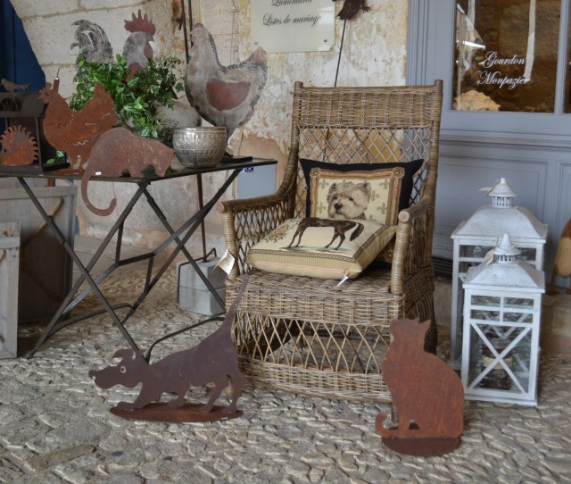 Shabby Chic French Curios