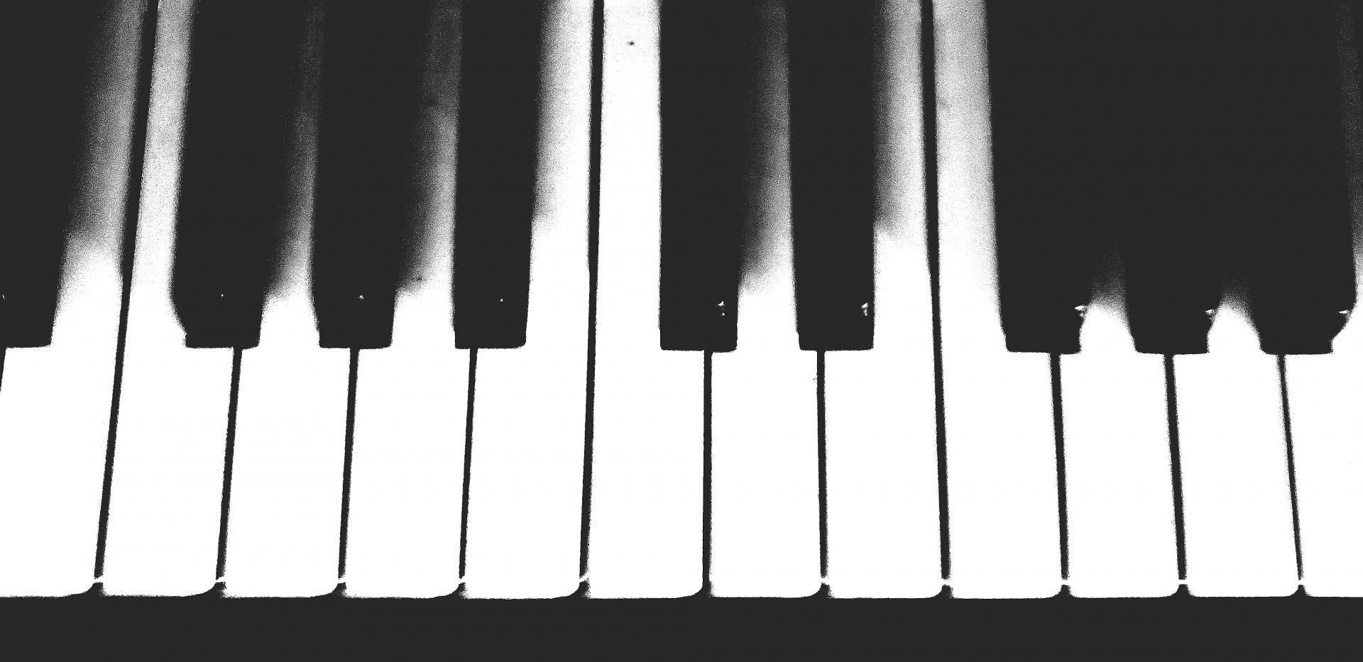 cles de piano noir et blanc photo stock