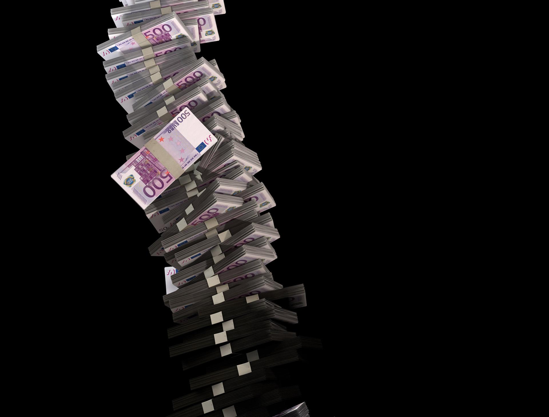Tower Of 500 Euro Money Free Stock Photo