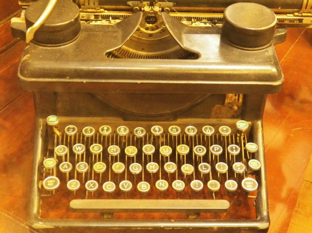 vintage typewriters, typewriters