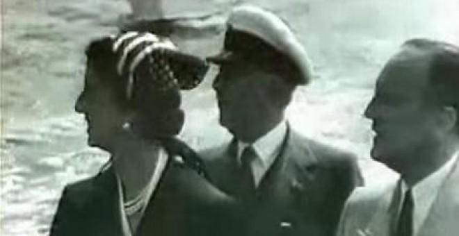 Franco a bordo de la embarcación junto a su mujer, Carmen Polo.- OBJETIVO: MATAR A FRANCO