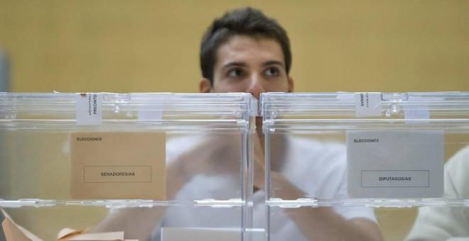 Imagen de archivo de una mesa electoral./ EFE