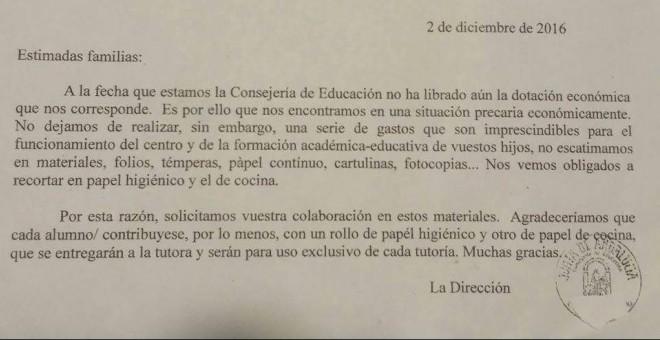 Comunicado de la Dirección de un colegio andaluz a los padres y madres de sus alumnos. /PÚBLICO