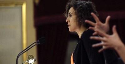 La ministra de Sanidad, Servicios Sociales e Igualdad, Dolors Montserrat, durante su comparecencia ante la Comisión General de las Comunidades Autónomas del Senado, para dar cuenta del acuerdo sobre un pacto de Estado contra la violencia de género. EFE/Ju