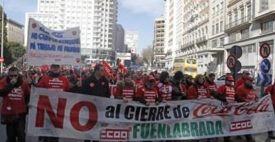 Una de las marchas celebradas tras el ERE de Coca Cola. /EFE