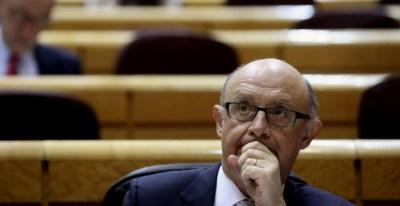 El ministro de Hacienda, Cristóbal Montoro, durante la sesión de control al Gobierno en el pleno del Senado. EFE/Kiko Huesca