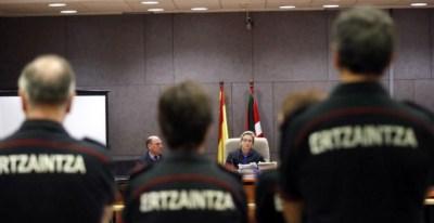 Juicio por la muerte de Iñigo Cabacas por una pelota de goma de la ertzaina en 2012   EFE