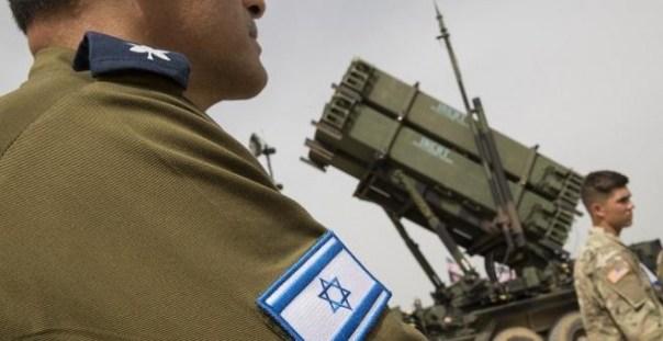 Oficiales del ejército israelí y estadounidense durante un ejercicio militar en Israel. / AFP - JACK GUEZ