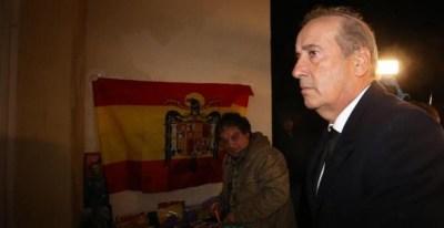 El nieto de Francisco Franco, Francis Franco, a su llegada a la misa por el aniversario de la muerte del dictador. /EFE