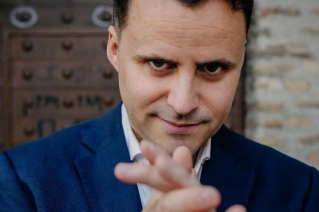 El cantaor flamenco Juan Pinilla publica el disco 'Humana raíz'.