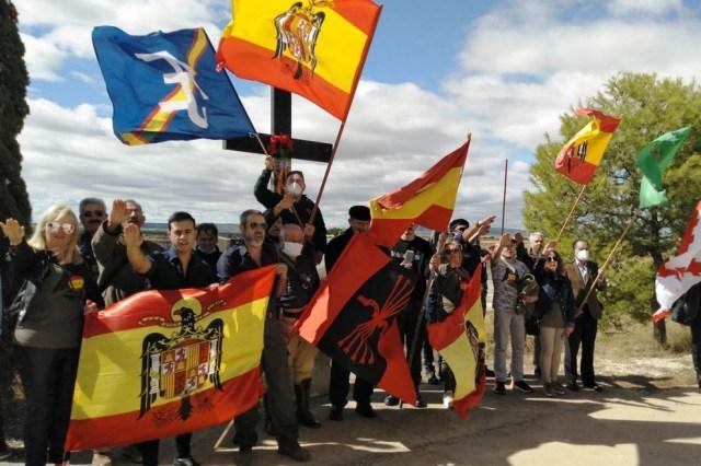 Franquistas en Belchite