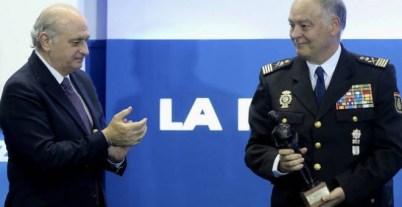 El ministro del Interior, Jorge Fernández Díaz, junto al director adjunto operativo de la Policía, Eugenio Pino. - EFE