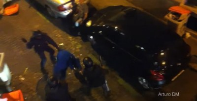 Agentes de UIP agreden a un joven al que acaban de sacar de un bar tras la protesta del 29 de septiembre de 2012 'Rodea el Congreso'.- VÍDEO DE YOUTUBE DE ARTURO DM