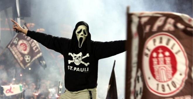 La afición del St. Pauli durante un reciente encuentro.- REUTERS
