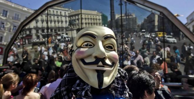 Manifestantes en Sol durante un aniversario del 15M.- EFE