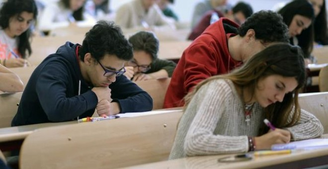Estudiantes universitarios en una imagen de archivo